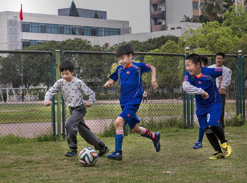 否                       照片故事 中国梦,足球梦,少年