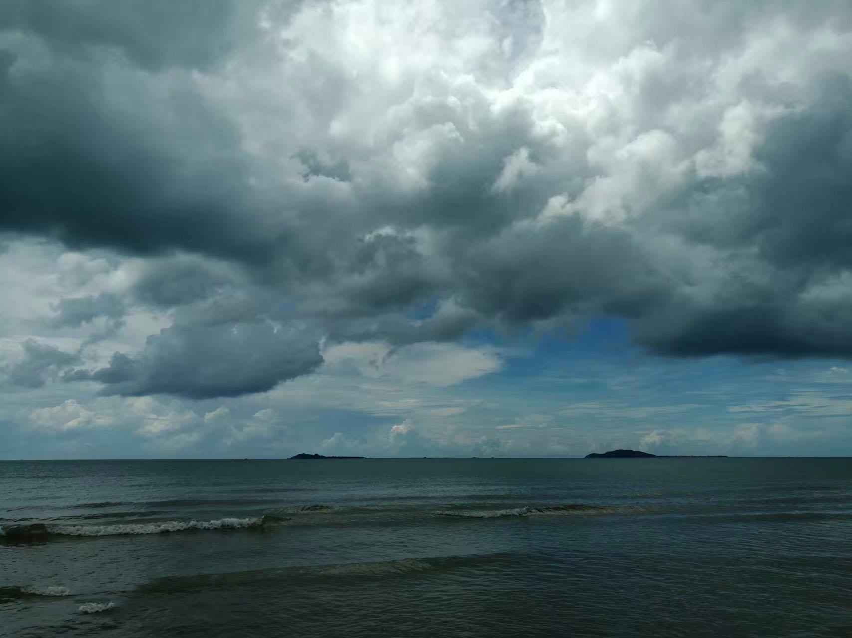 乌云,阴天还有大海